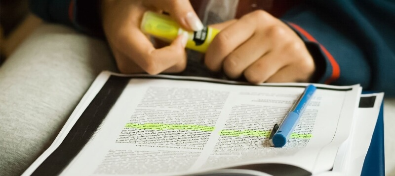 Research papers writing is easy thanks to a complete guide on this page.